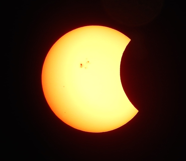 Partial_Solar_Eclipse_of_October_23,_2014_(15425759437)